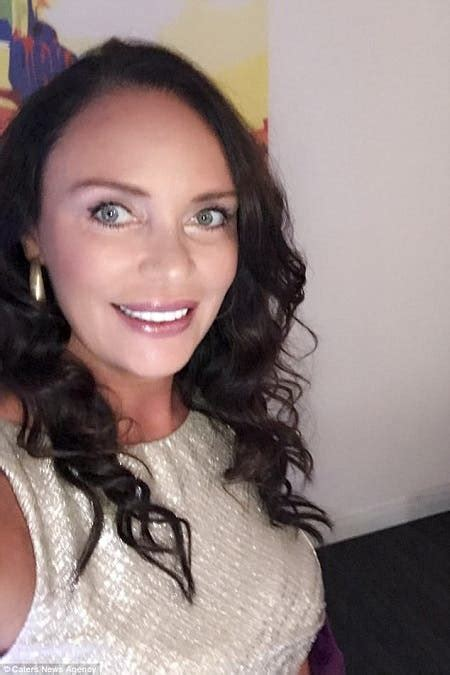 Meet The Divorced 45-Year-Old Woman Who Only Dates Rich